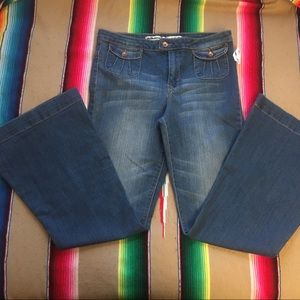 Dollhouse The 54 Bell Bottom Flare 70s Jeans NWT